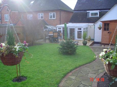 Gardening services swadlincote south derbyshire garden for Garden design derbyshire
